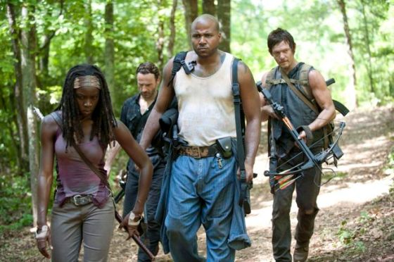 walking-dead-Season-3-Episode-7-When-The-Dead-Come-Knocking