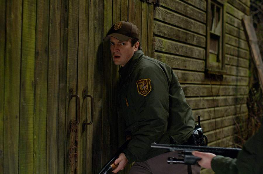 Nathan-Fillion-as-Bill-Pardy-in-Slither-2006-nathan-fillion-31183215-900-598